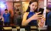 Smartphone màn hình vô cực, camera kép giá tầm trung