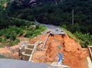 Sập cầu: Hơn 300 hộ dân Khánh Hòa bị cô lập