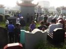 Công an điều tra hàng trăm ngôi mộ bị đập bể bát hương