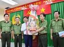 Chủ tịch TPHCM Nguyễn Thành Phong chúc Tết nhiều đơn vị