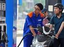 Tạm dừng biểu quyết tăng thuế kịch khung đối với xăng dầu