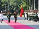 Tổng tư lệnh quân đội Campuchia thăm Việt Nam