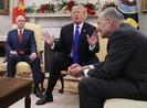 Cuộc cãi nhau nảy lửa giữa ông Trump và đảng Dân chủ
