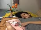 Nhân viên giúp sản phụ sinh bé gái trên tàu hỏa