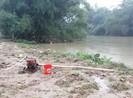 Quảng Ngãi: 1 người mất tích trong lũ khi vượt sông