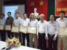 Chủ tịch TP Cần Thơ tặng bằng khen báo Pháp Luật TP.HCM