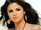 Selena Gomez phải hầu tòa vì Justin Bieber