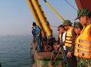 Hạ Long: Xà lan đâm tàu du lịch chở 31 khách Trung Quốc