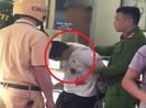 Clip: Công an bắt nghi can cướp tiệm vàng ở Hà Nội