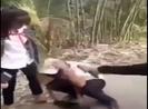 Xôn xao vụ nam sinh bị nhóm nữ sinh đánh hội đồng