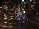 Triều cường cao, nhiều đường ở TP Cần Thơ ngập nặng