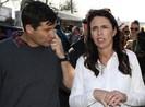 Thủ tướng New Zealand nhập viện sinh con đầu lòng