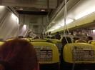Máy bay hạ cánh khẩn, 33 hành khách chảy máu tai nhập viện
