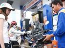 Tăng xả quỹ bình ổn để giữ giá xăng