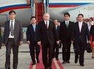 Chùm ảnh lễ đón Tổng thống Nga Vladimir Putin ở sân bay