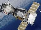 """Tàu vũ trụ Nga đưa ba nhà du hành """"cập bến"""" ISS"""