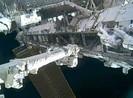 Các phi hành gia trên trạm ISS bắt đầu cuộc đi bộ