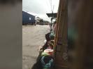 Bão số 9 làm ngập quốc lộ 1 ở Khánh Hòa