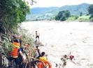 Vượt lũ về nhà, 1 thanh niên bị nước cuốn mất tích