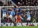 Thua trận đầu tiên trước Chelsea, Man. City mất luôn ngôi đầu