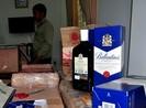 Đà Nẵng tạm giữ hàng trăm chai rượu ngoại nhập lậu, vô chủ