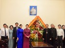 Chủ tịch Quốc hội chúc mừng Giáng sinh ở TP.HCM
