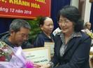 Phó chủ tịch nước trao tặng 500 nhà tình nghĩa cho người nghèo