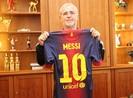Chiếc áo Messi gửi tặng Mueller được đưa vào Viện bảo tàng