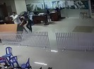 Cư dân đại náo văn phòng ban quản lý chung cư Phú Thọ Hòa