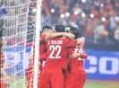 Thắng dễ Campuchia, Việt Nam vào bán kết AFF Cup với ngôi đầu