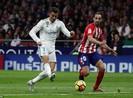 Derby thành Madrid nhạt nhòa, bạo lực và penalty... hụt