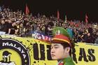 Fan Việt Nam tấn công vợ HLV Tan Cheng Hoe ở Mỹ Đình?