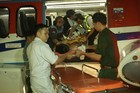 Máy bay trực thăng đưa ngư dân bị nạn từ Trường Sa về đất liền