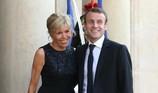 Đệ nhất phu nhân Pháp chi 1,3 tỉ mua chén bát