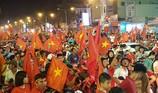 Đồng Nai: Bắt hàng chục người bắn pháo hoa đêm 'bão'