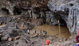 Tìm thấy thi thể 1 phu vàng sau 7 ngày bị vùi lấp trong hang