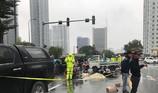 Người thân gào khóc bên thi thể thanh niên ở đường phố Hà Nội