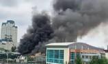Cháy khủng khiếp gần trụ sở Liên đoàn Bóng đá Việt Nam