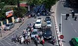 Lỗi ô tô đi sai làn đường có bị tước giấy phép lái xe?