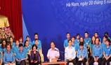 Thủ tướng: Xử nghiêm chủ trọ tăng giá điện, nước công nhân
