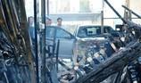 Cháy chợ lửa thiêu rụi xe hơi và nhiều ki-ốt