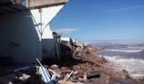 Sóng lớn giật sập 53 căn nhà, hàng chục gia đình trắng tay cận tết