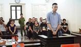 Tử hình phi công trẻ sát hại người tình hơn 15 tuổi