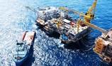 Giá dầu tăng vọt lên 86 USD/thùng, 'lăm le' mốc 100 USD/thùng