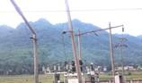 Xe tải cài số lùi, cả huyện Mường Lát mất điện