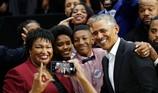 Vận động cho đảng Dân chủ, ông Obama nói gì khi bị la ó?