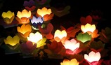 Hoa đăng rực sáng sông Sài Gòn đêm rằm tháng Giêng