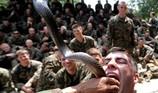 Xem lính Mỹ diễn tập uống máu rắn hổ mang trực tiếp