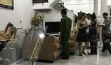 Côn đồ mang hung khí xông vào nhà đập phá đồ đạc