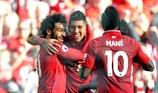 Salah tỏa sáng, Liverpool vượt Man City dẫn đầu Premier League